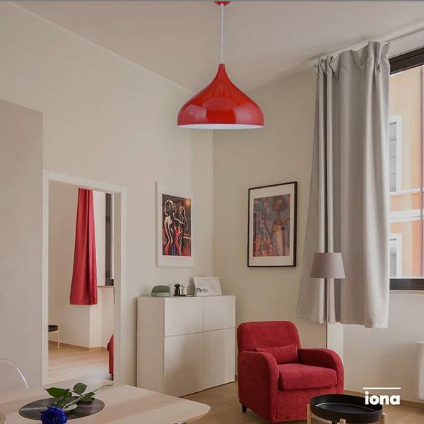 IONA Rojo - Ambientación